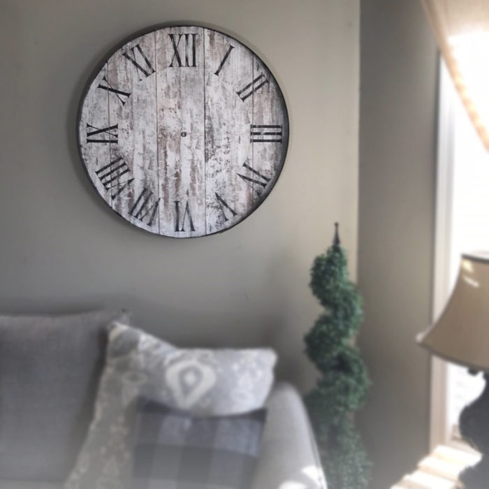 Distressed White - Hand of Time Memory Clock